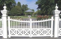 Victoria Park and gates thumbnail image.